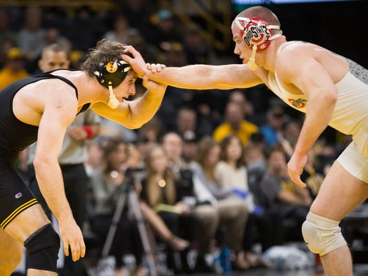 636227688565560504-20170127-PC-Iowa-OhioState-Wrestling-023.jpg