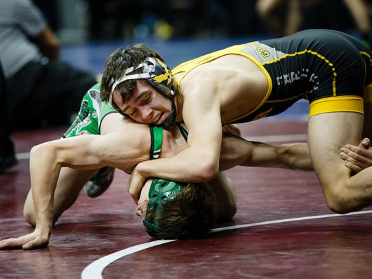 Waverly-Shell Rock's Dylan Albrecht, pictured here at the 2017 state tournament, was one of seven Go-Hawk finalists at Bettendorf's Midwest Shootout over the weekend.