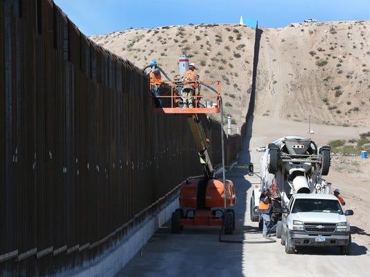 Border-Fence-2.jpg