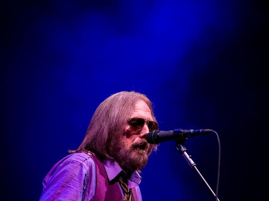 May 8, 2017 - Tom Petty and the Heartbreakers play for their fans during their 40th Anniversary Tour at the FedExForum.