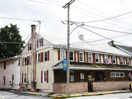 1-LDN-JML-062217-buck-tavern