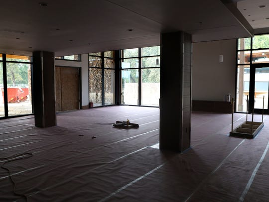 The lobby area of the Sheraton Redding Hotel at the