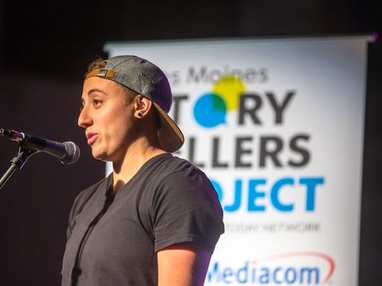 Jacqui Kalin speaks at the Des Moines Storytellers