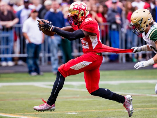 00030137B Oradell 9/30/2017 Bergen Catholic High School vs St. Joseph Regional High School Football - #25 Rahmir Johnson