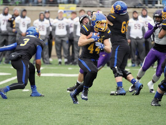 South Dakota State's Brady Mengarelli (44) looks for