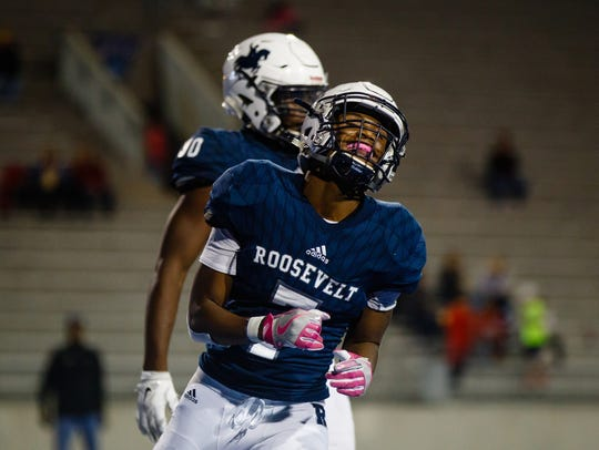 Roosevelt's Desmond Alexander (7) rushed for 142 yards and two scores last week. Can he replicate that success against Lincoln this Friday?