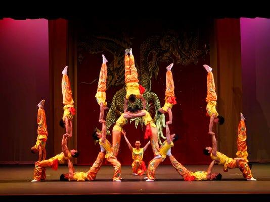 636518741835919625-Peking-Acrobats-6-Photo-by-Tom-Meinhold.JPG
