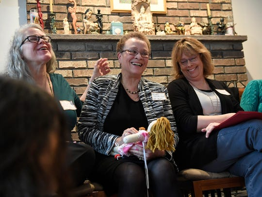 Linda Locke, center, president of New Jersey Midwife,