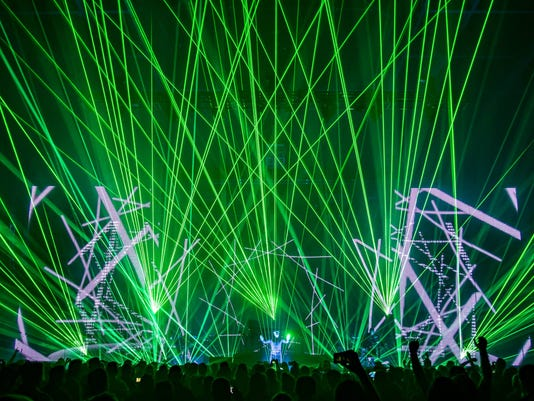 636586429798698293-Jean-Michel-Jarre-light-show.jpg