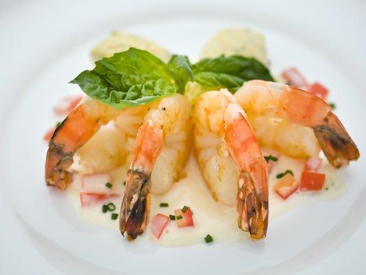 Shrimp with honey-champagne cream sauce