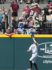 Mississippi State's Rowdey Jordan (4) makes a catch