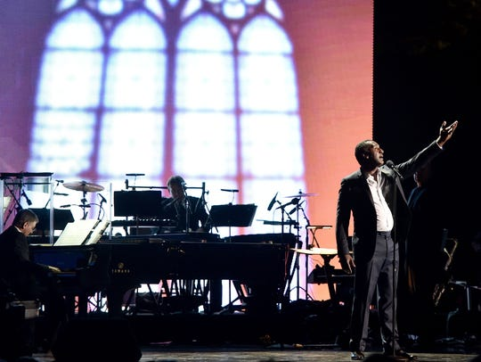 Norm Lewis performs.