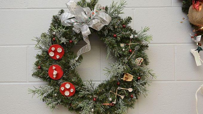 1 Pack Napkins welcome in Christmas Door Wreath Sled Dog Window
