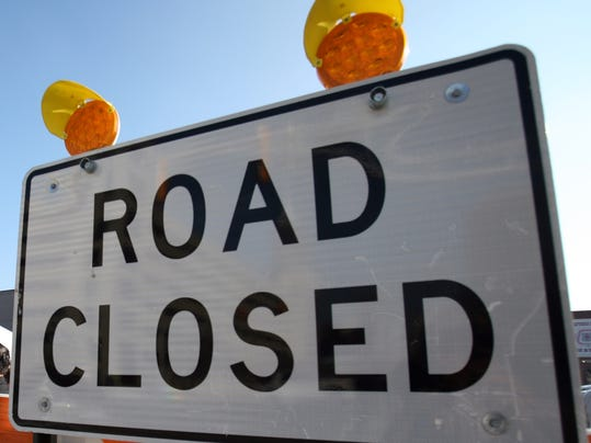 -ROAD closed sign.jpg_20131019.jpg