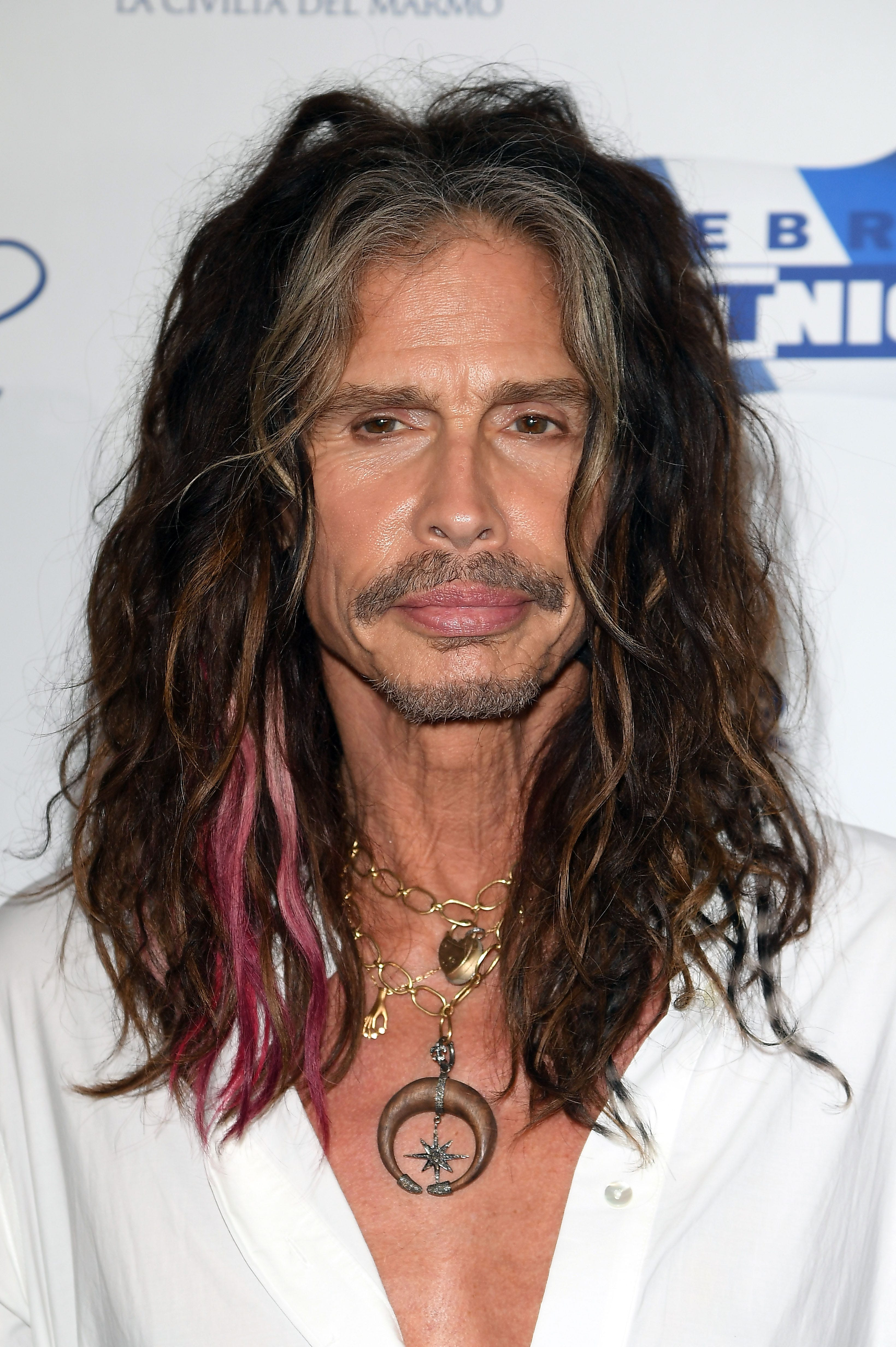 Aerosmith tour crocked after steven tyler surgery new pictures
