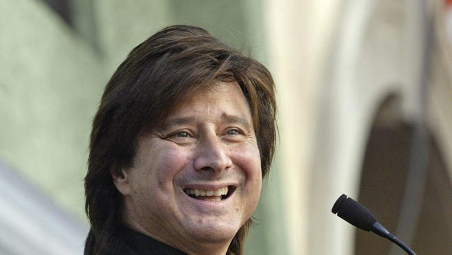 Steve Perry hasn't performed with Journey since 1991. But his fans never stopped believin'. Everyone's buzzing this morning about his surprise appearance Sunday night to join indie-rock band the Eels at the Fitzgerald Theater in St. Paul, Minn.