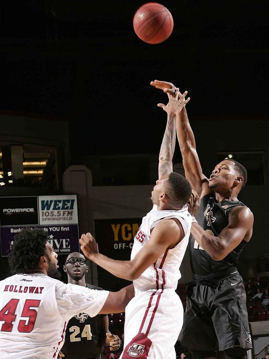 UCF UMass Basketball_Garw