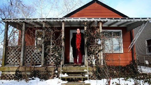Anne Bussell was able to take advantage of a federal refinancing program on her Warren home earlier. The HARP program has now been extended through Sept. 30, 2017.