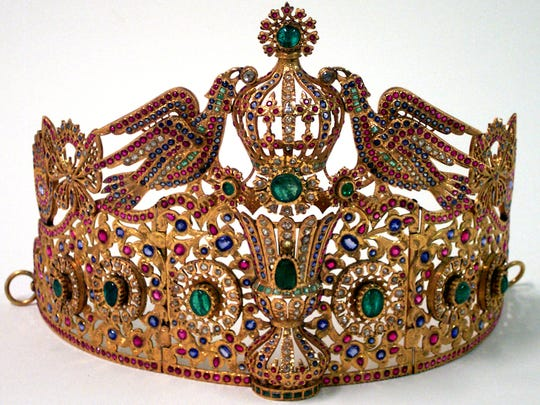 Presented to Eleanor Roosevelt on Jan. 22, 1943 by the Sultan of Morocco, Sidi Mohammed, through President Franklin D. Roosevelt.  The tiara is part of the family jewels of the Sultan of Morocco. The semiprecious stones are from the Atlas Mountains in Morocco.