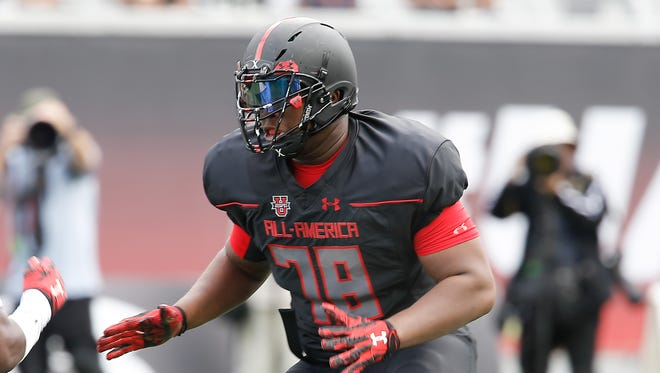 Jan 2, 2016; Orlando, FL, USA; Team Highlight player E.J. Price on the field in the Under Armour All American Football Game at the Orlando Citrus Bowl. Team Highlight beat Team Armour 27-0.