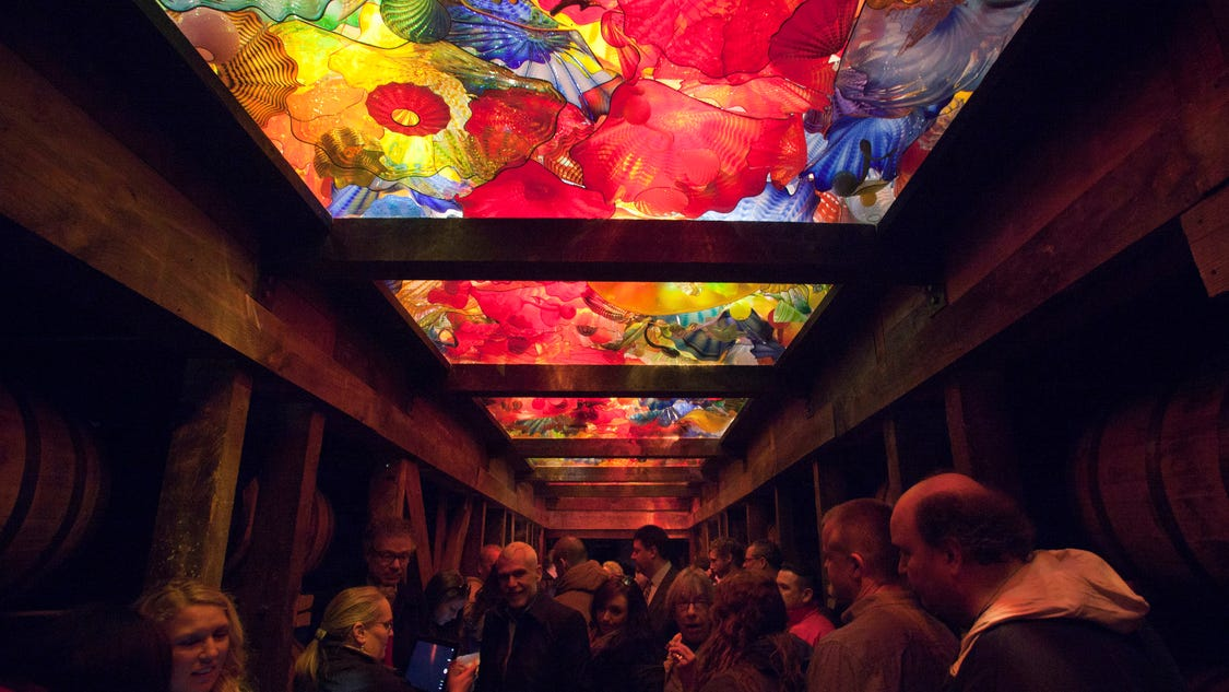 maker u0026 39 s mark unveils chihuly glass installation