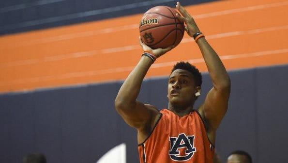 Auburn freshman guard Bryce Brown shooting during preseason practice.