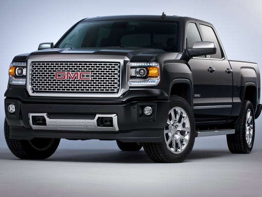 XXX 2014 GMC SIERRA DENALI CREW CAB FRONT THREE QUARTER IN IRIDIUM M