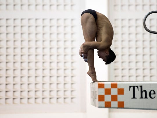 Tennessee's Colin Zeng durig practice on Tuesday, February