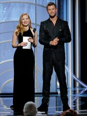 Jessica Chastain and Chris Hemsworth were one of the few presenting pairs to get laughs when they announced that in addition to a trophy, the best actress winner would get back the 23% of her salary she lost due to the wage gap.