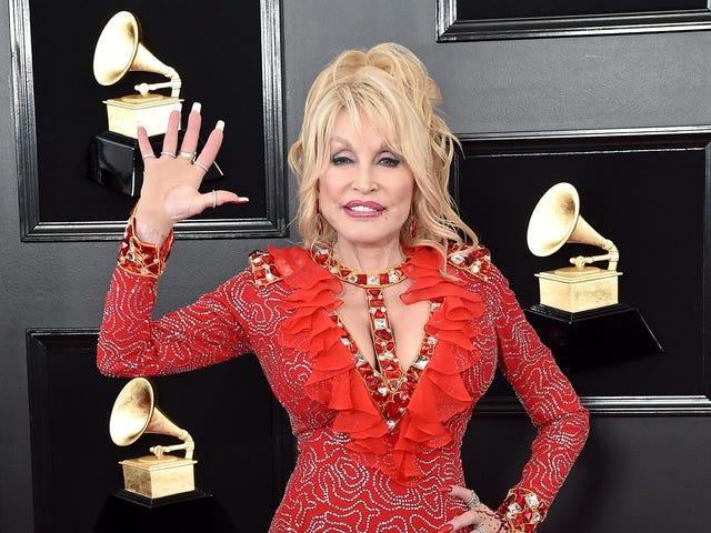 Dolly Parton talks plastic surgery: 'I wasn't naturally pretty'