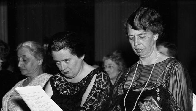 Lorena Hickok attended a concert with her friend Eleanor Roosevelt in 1935.