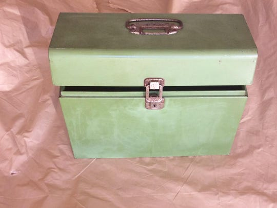 A little green box found it at a flea market reminded Nikki Paxton of a box her grandmother used to keep her important papers in.