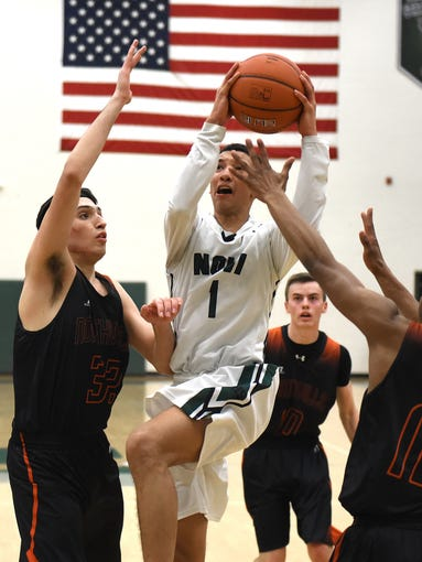 Novi Wilcdat Trendon Hankerson tries to get a shot