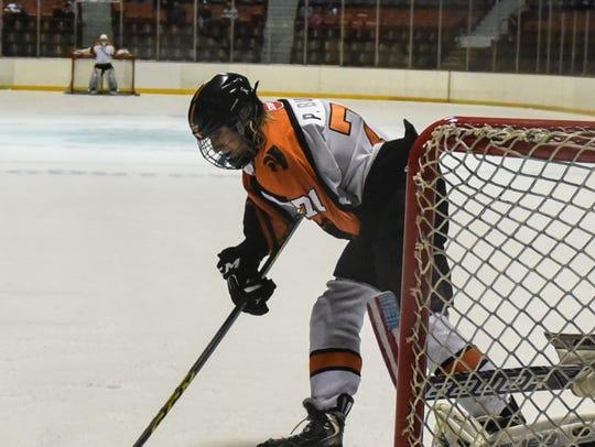 Palmyra's Parker Bucks beats Hershey goalie Aaron Dobrolsky