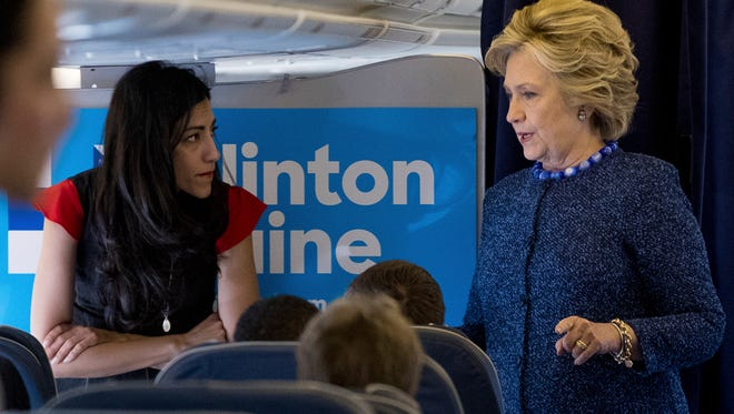 Huma Abedin and Hillary Clinton in White Plains, N.Y., on Oct. 28, 2016.