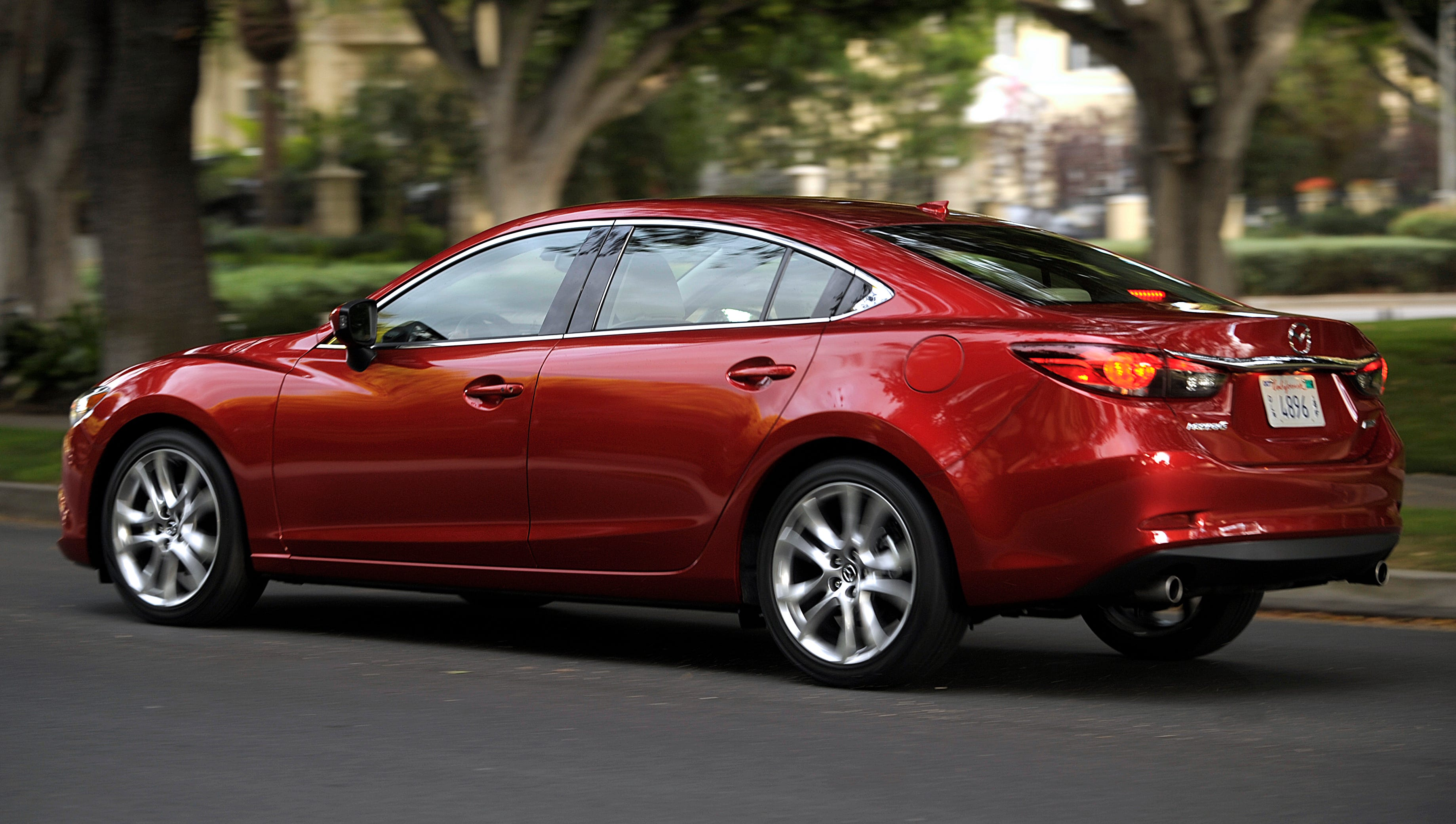 Unlike many midsize cars, all Mazda6 models have alloy wheels, even the very base model -- no steel wheels with tacky plastic wheel covers.
