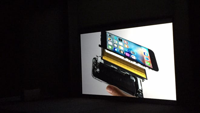 iPhone 6S features 3D Touch among its newest features.