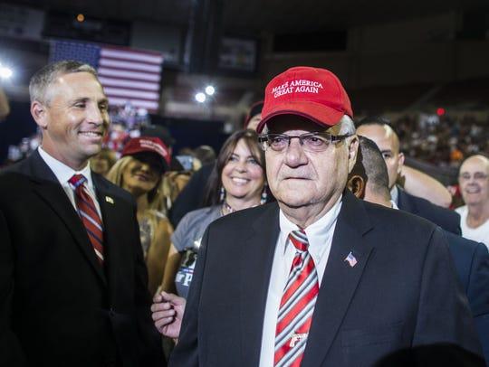 "Sheriff Joe Arpaio wears a ""Make America Great Again"""