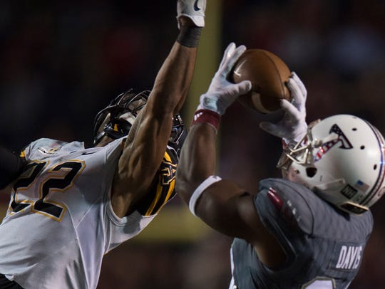 Troy Trojans wide receiver Sidney Davis (84) catches