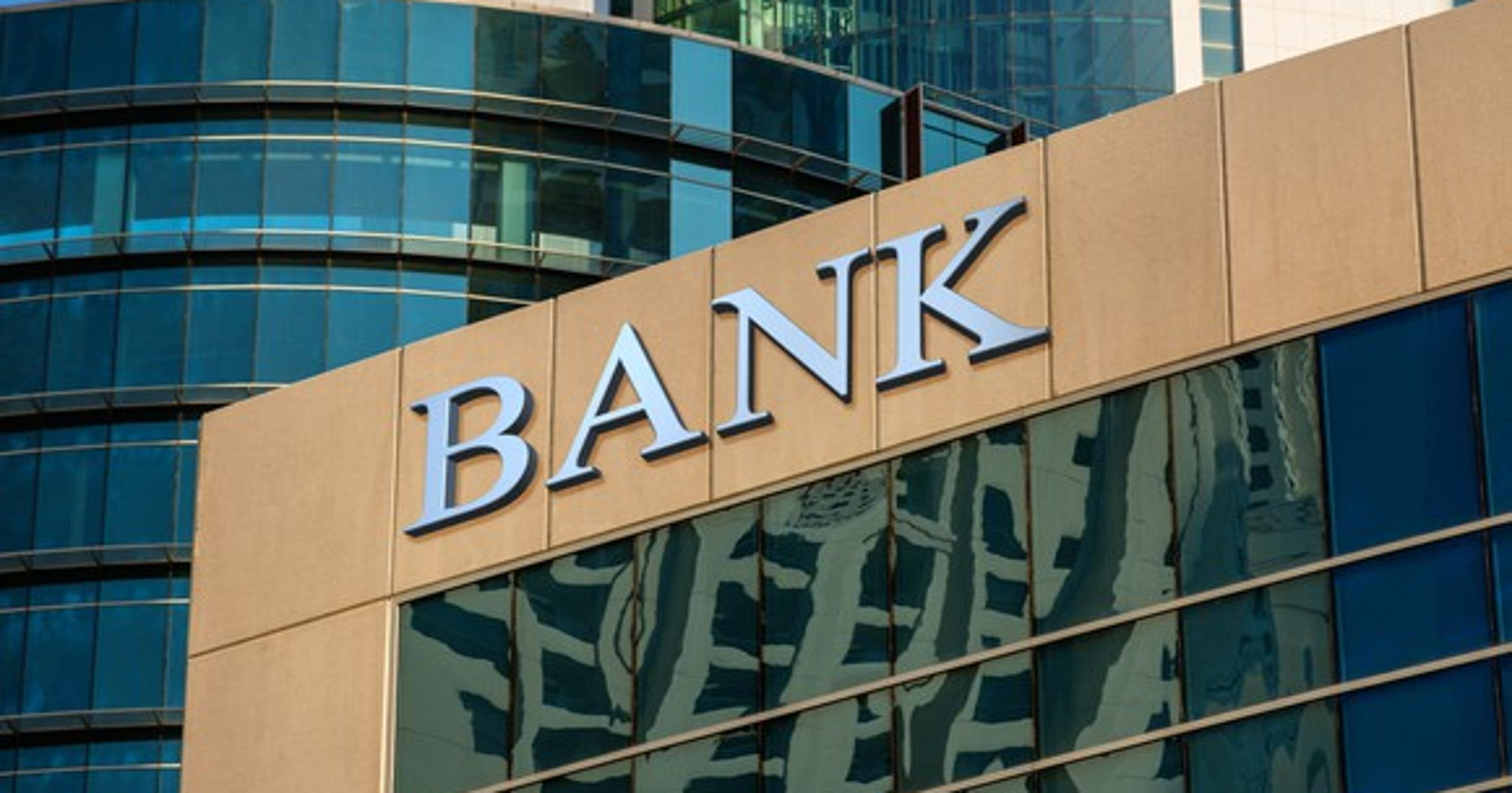 8 questions to ask before opening a new bank account