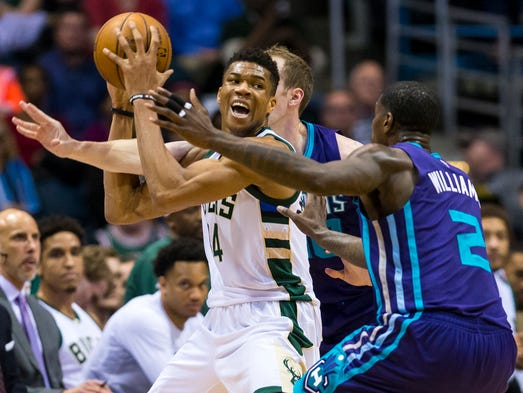 Apr 10: Milwaukee Bucks forward Giannis Antetokounmpo