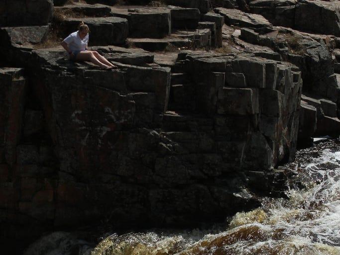 Landscaping Rock Eau Claire : Dells of the eau claire park