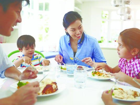 636080965457318125-kids-eating-right.jpg
