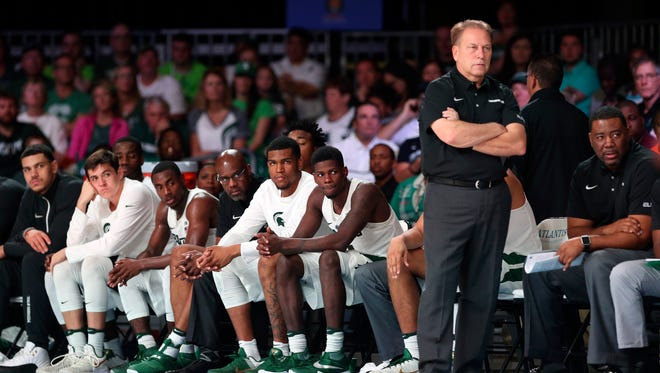 Nov 24, 2016; Paradise Island, Bahamas; Michigan State Spartans head coach Tom Izzo and his team watch the second half against the Baylor Bears in the 2016 Battle 4 Atlantis in the Imperial Arena at the Atlantis Resort.