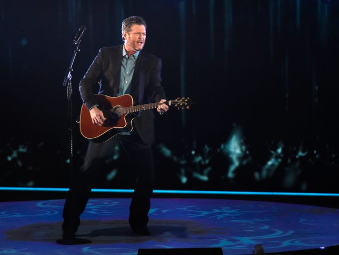Blake Shelton A Big Winner At 2017 People 39 S Choice Awards