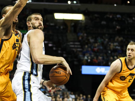 Marc Gasol works for a shot during Friday night's game