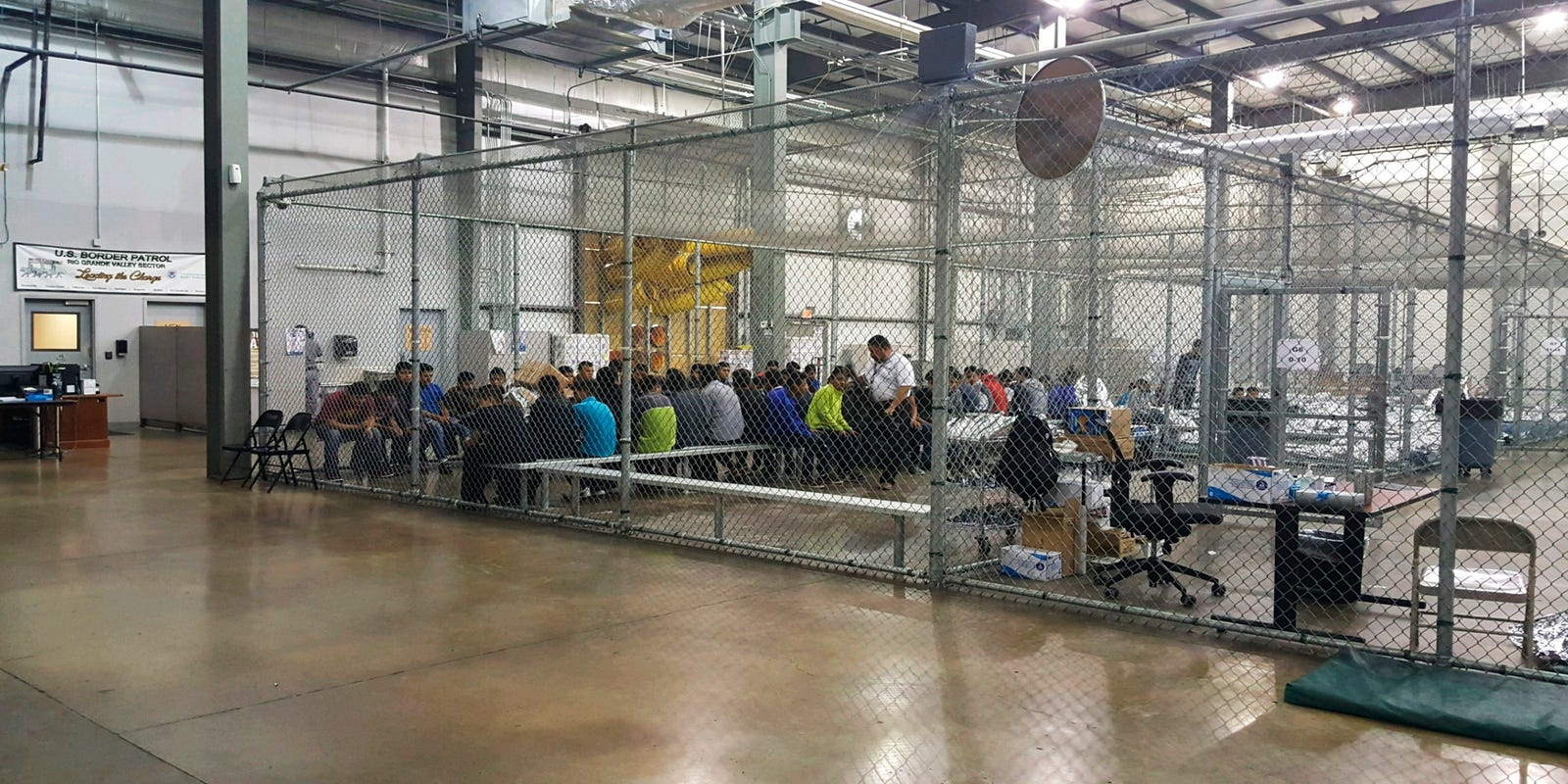 Casa & Co Milazzo did a flight attendant see immigrant children on a flight to