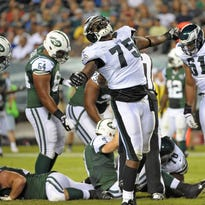 Vinny Curry to help open Middletown financial planning office