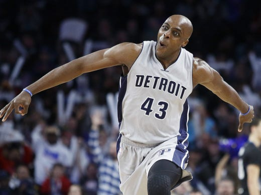 designer fashion ef70d 05e82 NBA Free Agency: Anthony Tolliver signs with Timberwolves