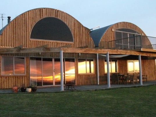 635945163055877056-New-Zealand-Converted-Barn-exterior.JPG